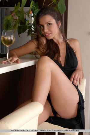 Lauryana escort girl Thoiry